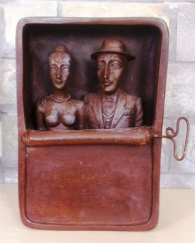 sculpture bronze .couple in loving in box of